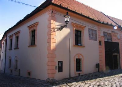 Kapitulská 15, Bratislava
